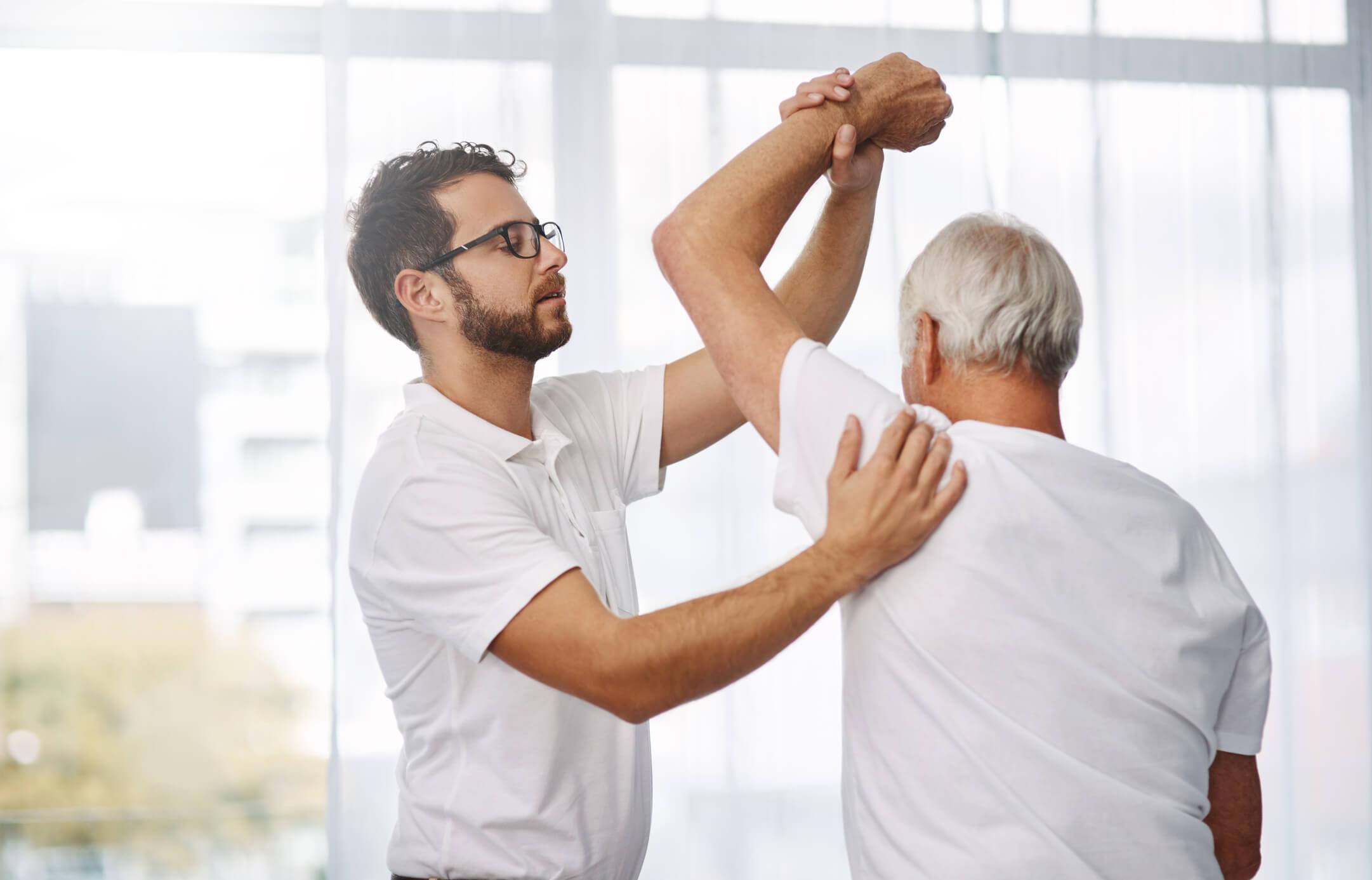 Entenda o que é a Osteoporose e quais os riscos dela para Coluna